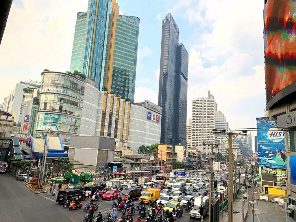 バンコクのアソーク交差点